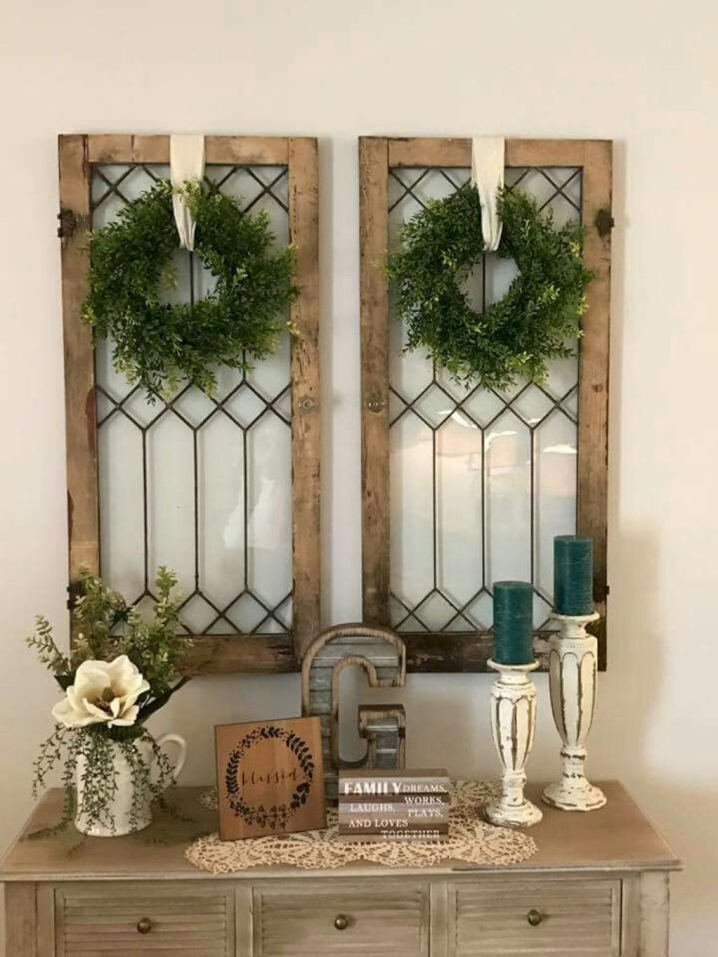 Cute Farmhouse Decoration Ideas Suitable For Spring And Summer 27