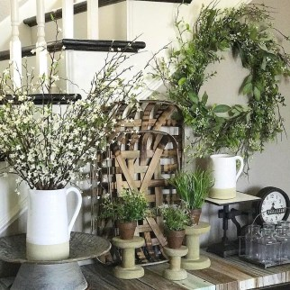 Cute Farmhouse Decoration Ideas Suitable For Spring And Summer 31