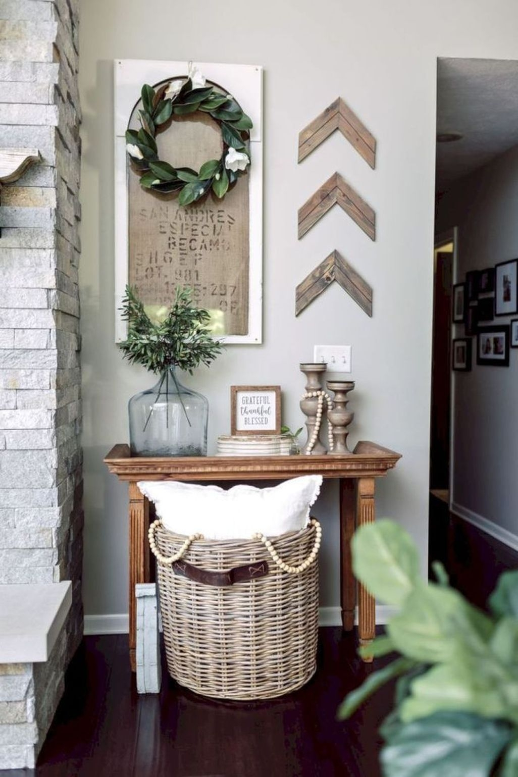 Farmhouse Home Decor Ideas 09