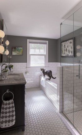 Fresh Rustic Farmhouse Master Bathroom Remodel Ideas 24
