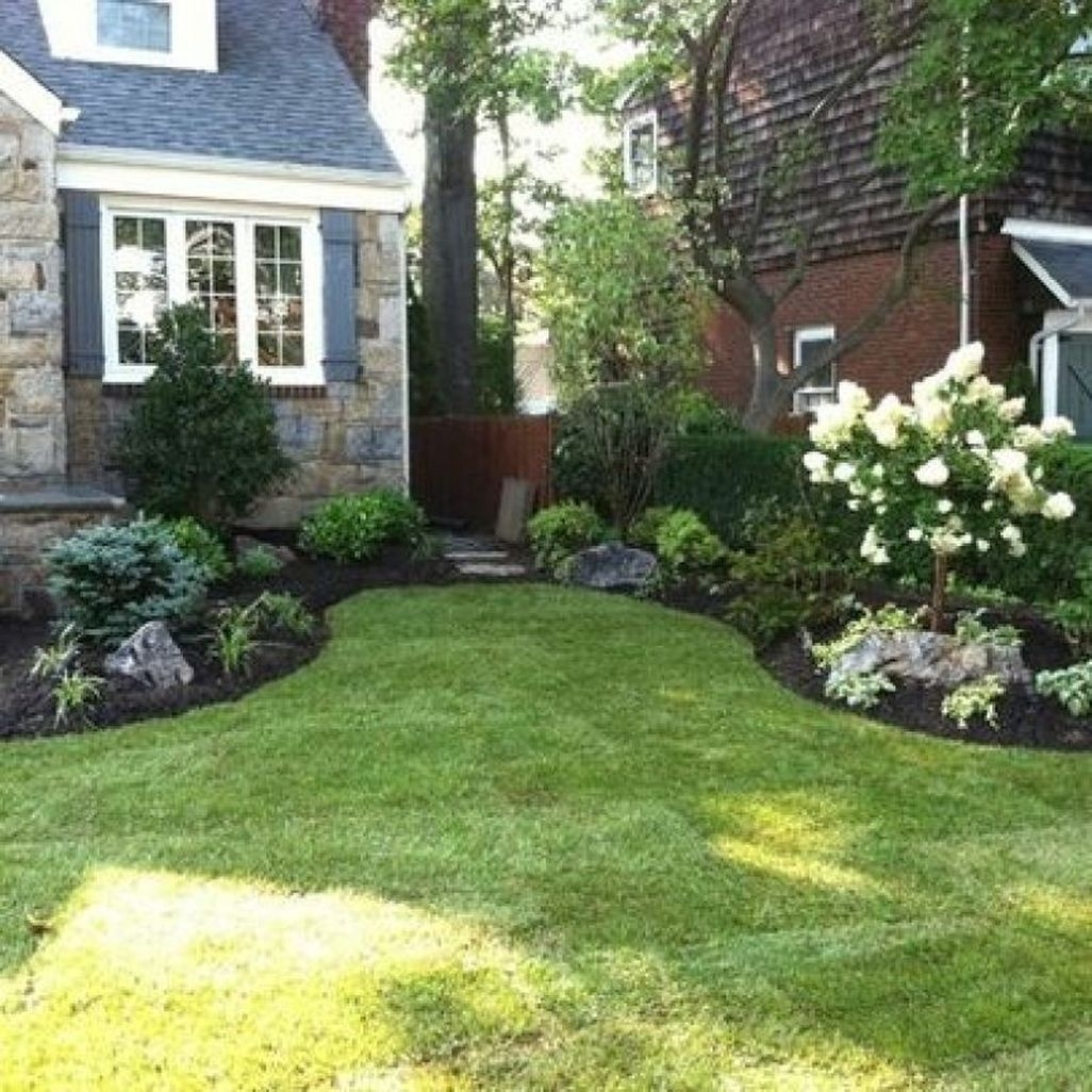 Stunning Front Yard Walkway Landscaping Design Ideas 10