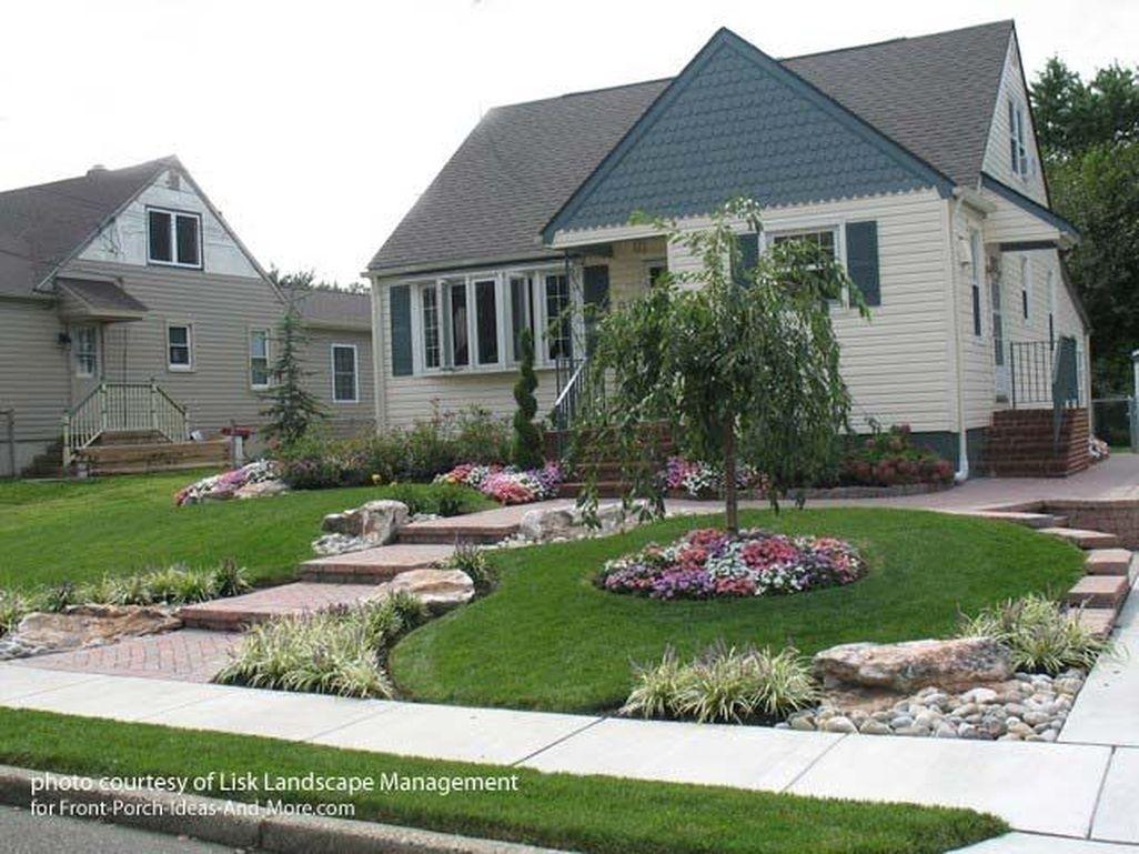 Stunning Front Yard Walkway Landscaping Design Ideas 13