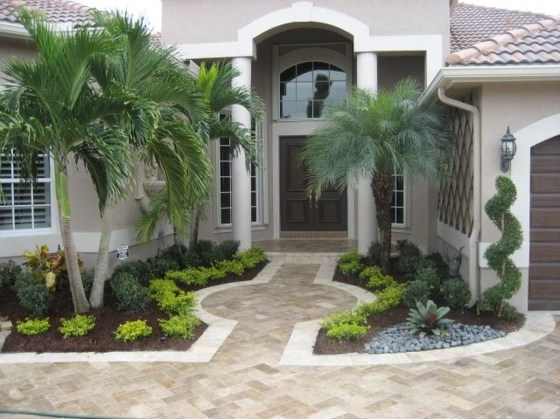 Stunning Front Yard Walkway Landscaping Design Ideas 33
