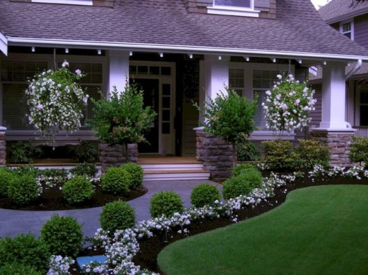 Stunning Front Yard Walkway Landscaping Design Ideas 40