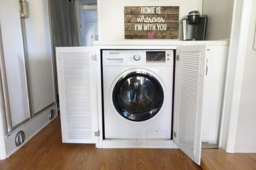 Totally Inspiring Rv Bathroom Remodel Organization Ideas 28