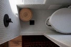 Totally Inspiring Rv Bathroom Remodel Organization Ideas 36