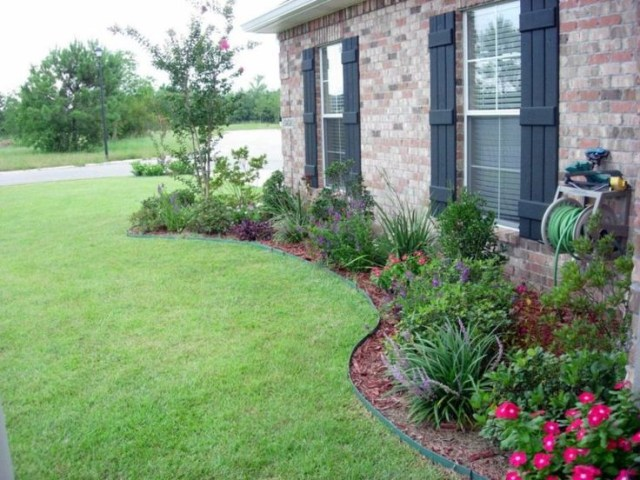 15 Most Beautiful Front Yard Flower Beds Ideas For Shady
