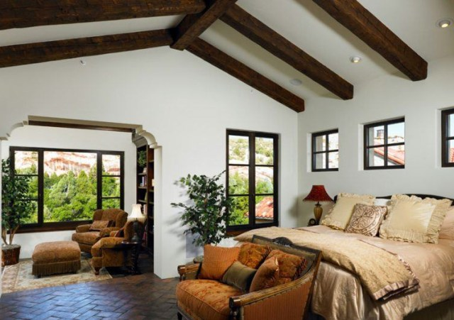20 Bedroom Designs With Vaulted Ceilings