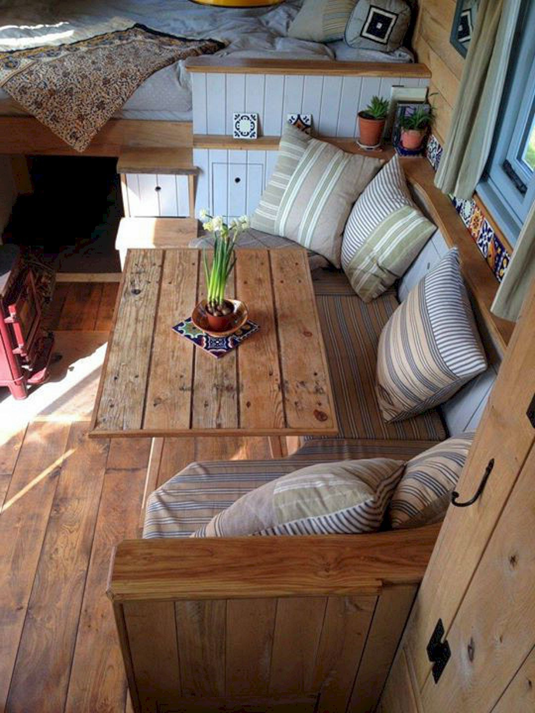 20 Best And Low Budget Rv Hacks Makeover Remodel Table