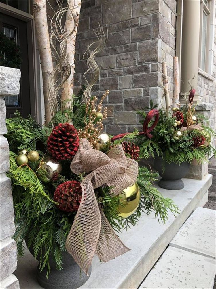 30 Amazing Front Porch Christmas Decorating Ideas Winter
