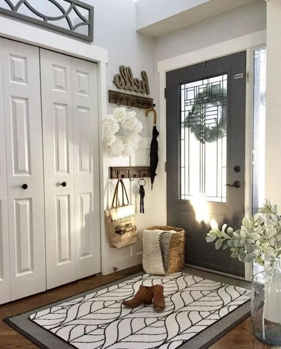 41 Impressive Small Entryway Decorations Ideas To Enhance