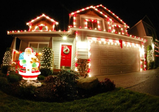 50 Best Outdoor Christmas Decorations For 2019