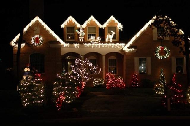 55 Creative Diy Christmas Outdoor Lighting Ideas That You