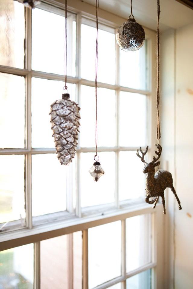 70 Awesome Christmas Window Dcor Ideas Digsdigs