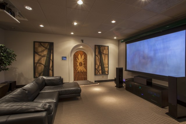 Awesome Living Room Theater Ideas With Comfortable Black