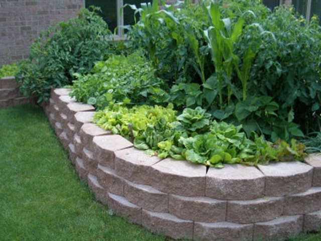Beautiful Raised Flower Bed Stone Border 71 Brick
