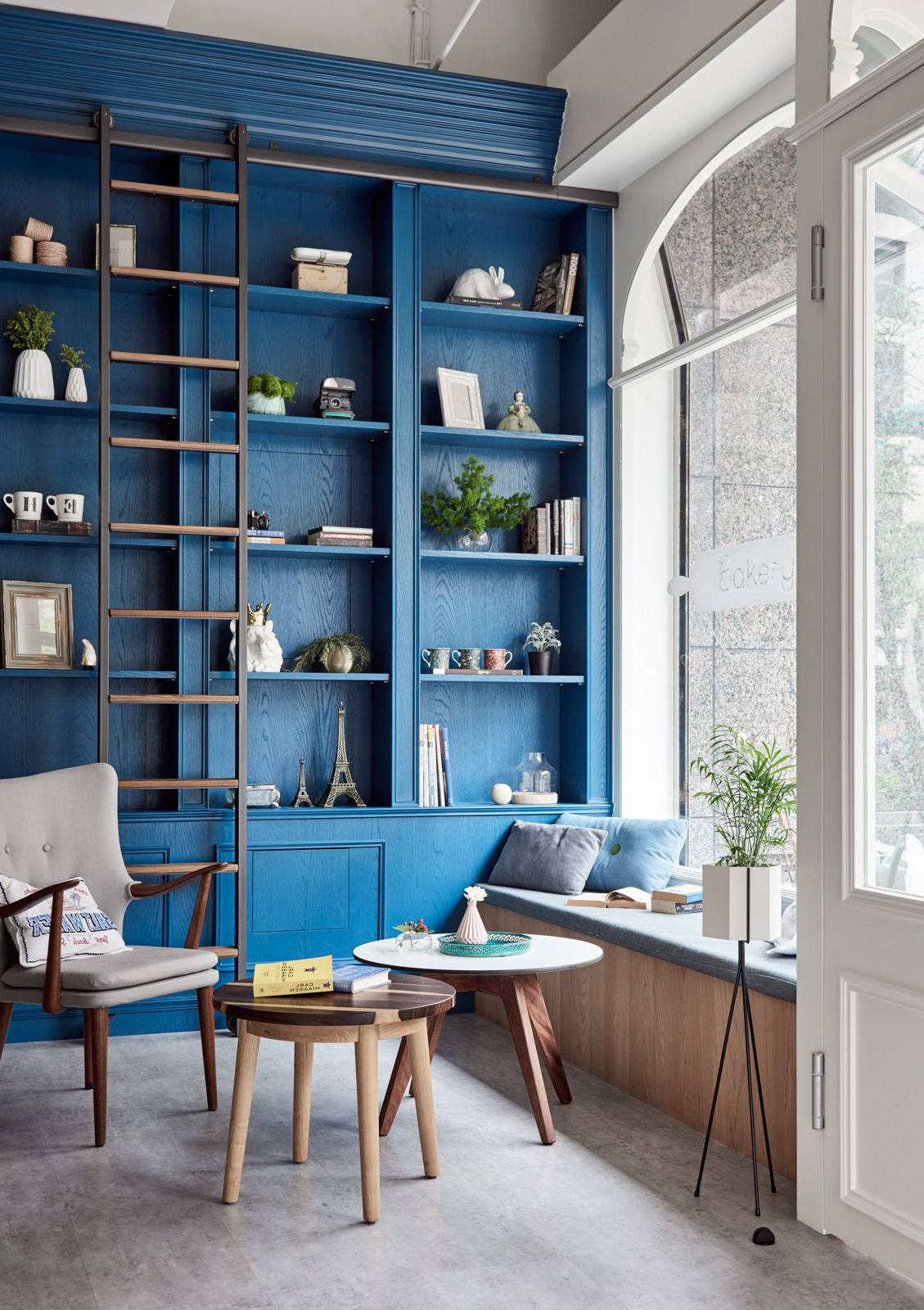 Blue Built In Shelving Amazing Library Design Blue Home