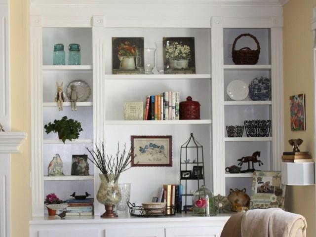 Bookshelf Decorating Ideas Complementing Your Minimalist