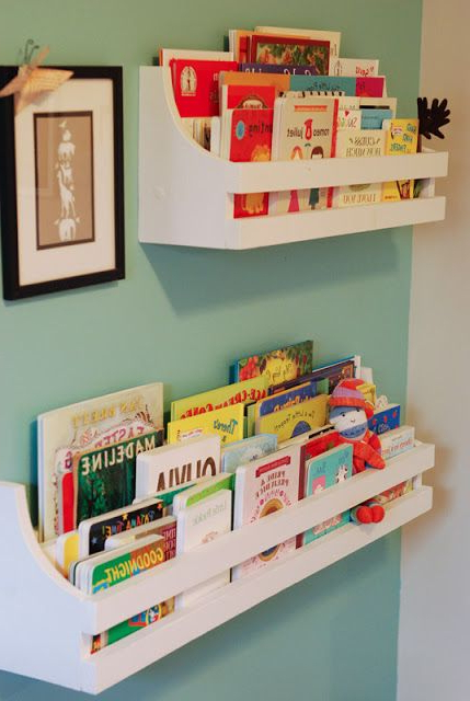 Cute Idea To Decorate The Walls With Some Books And Book
