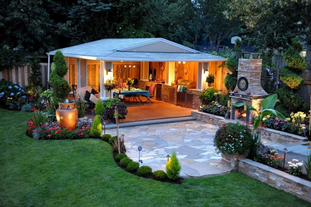 Extraordinary Backyard Oasis Ideas With Pool To Inspire