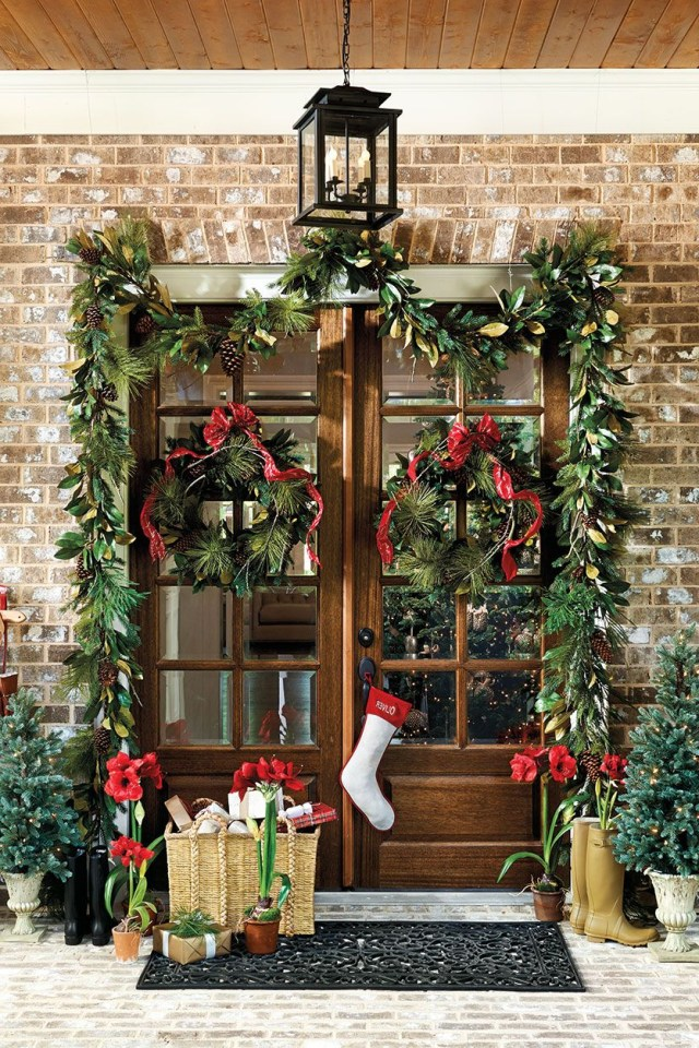 How To Choose The Right Size Wreath Front Door Christmas