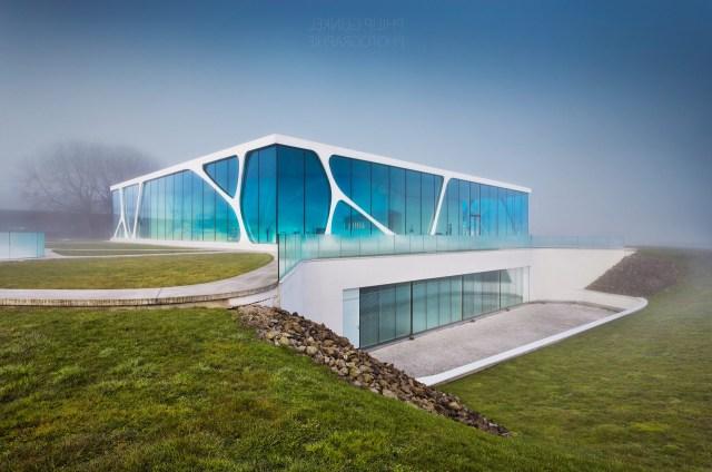 Lonardo Glass Cube Vision Architecture