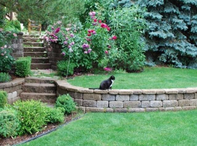 Low Retaining Wall Ideas Gardens Sloped Backyard