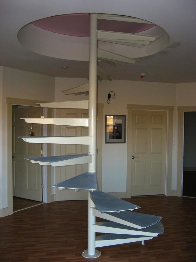 Modular Spiral Stairs With Minimal Support Treppen