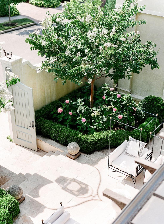 Nashville Architectural Photographer Beautiful Gardens