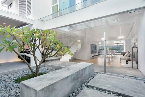 Outdoor Zen Garden With Stone Element Homemydesign