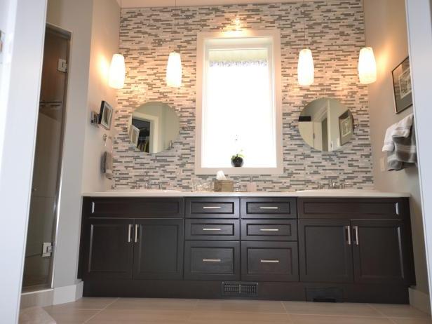 Stunning Counter To Ceiling Backsplash In Modern Bathroom
