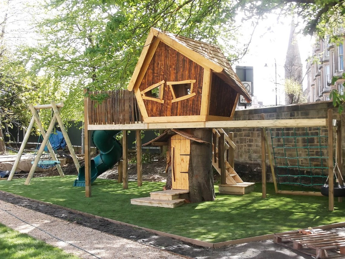 The King Treehouse Enchanted Creations Playhouses