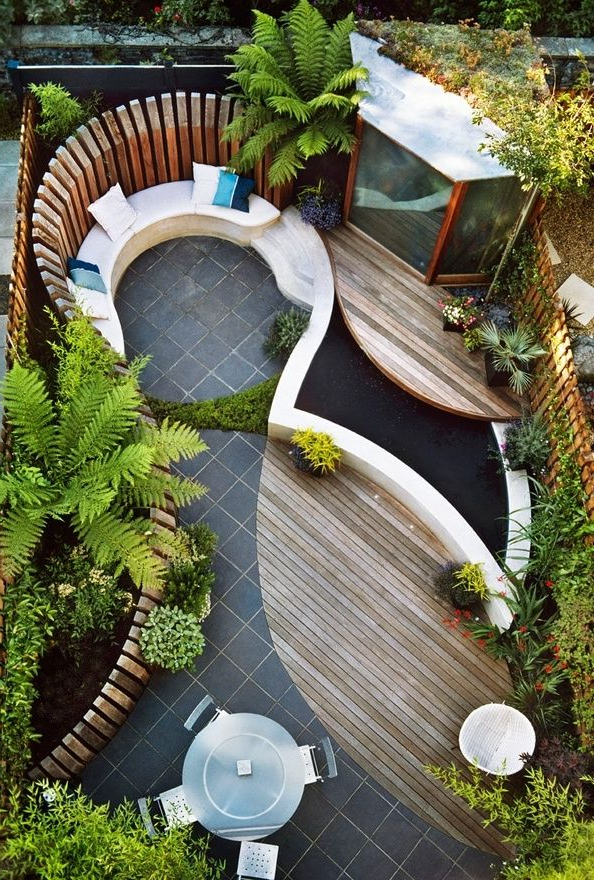 This Small Rectangular Backyard Was Given Curves Using