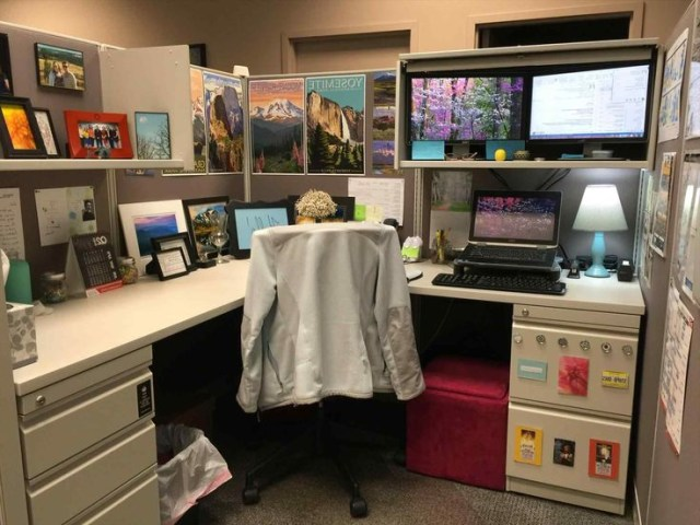 Top And Beautiful Small Cubicle Organization Ideas Work