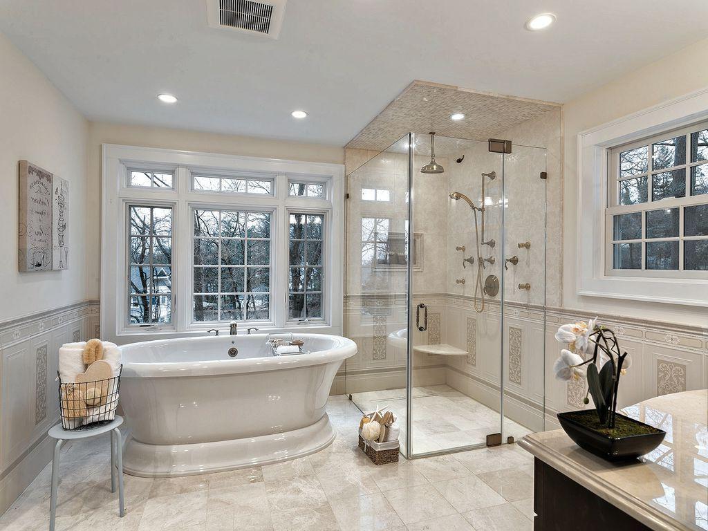 Traditional Master Bathroom With Freestanding Bathtub