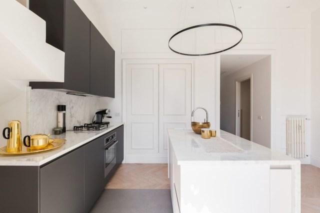 Via Della Vetrina Ii Best Flooring Home Round Mirror