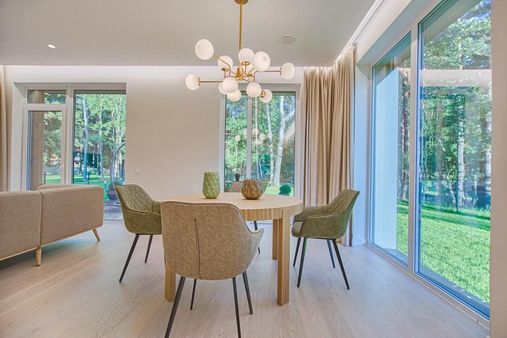 bright-color-design-ideas-for-small-apartments