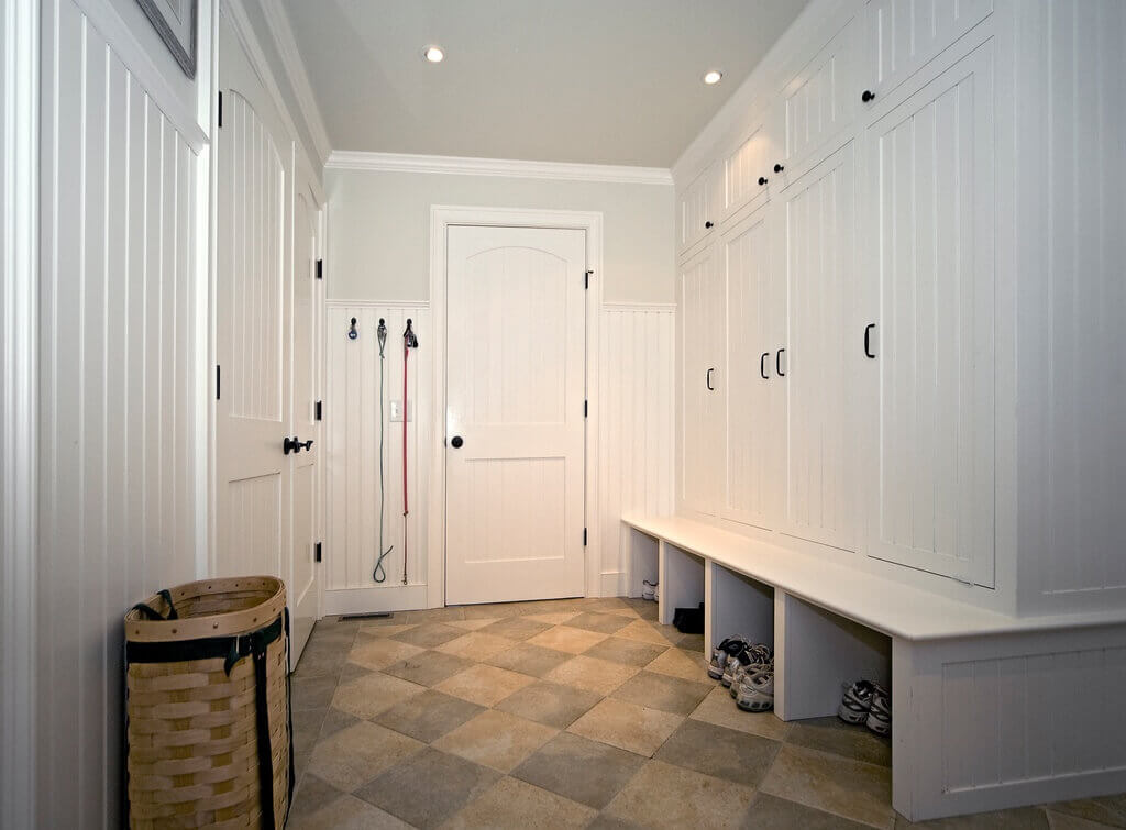 45 Superb Mudroom Entryway Design Ideas With Benches And Storage Lockers Pictures