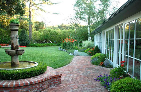 15 Ideas for Landscaping with Bricks   Home Design Lover on Brick Ideas For Backyard id=46279