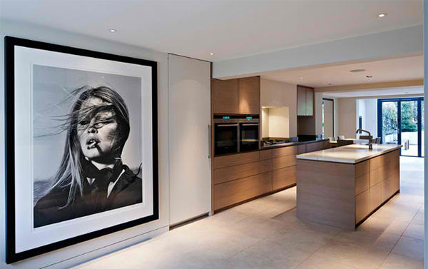 15 Interiors With Oversized Wall Portraits Home Design Lover