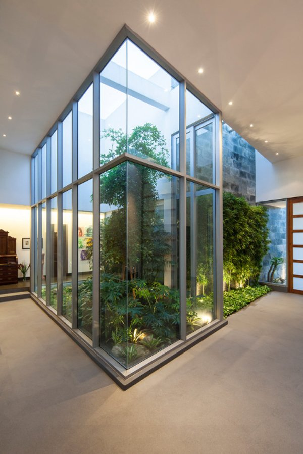 20 Indoor Garden Designs that Will Bring Life Into the ... on Glass House Design Ideas  id=44180