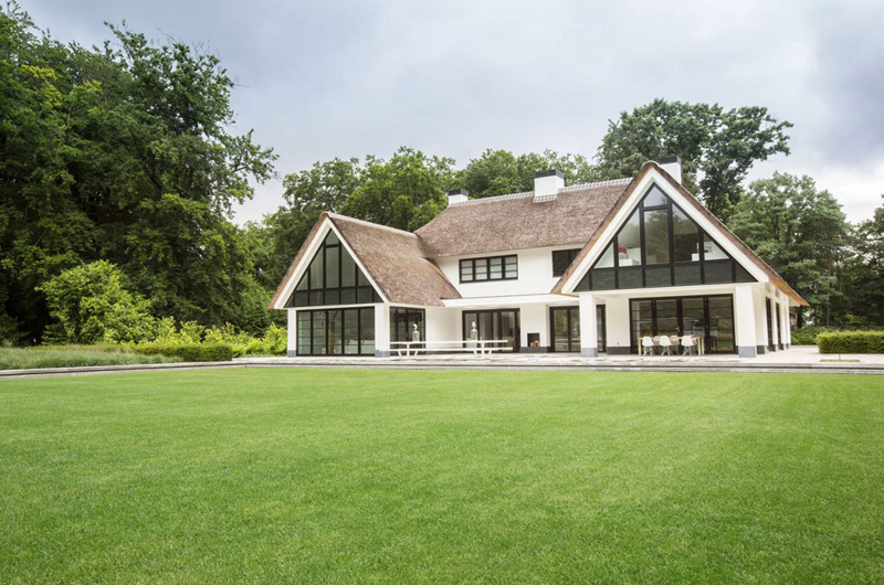 Exquisite Landscape Bare of Villa Huizen in Netherlands