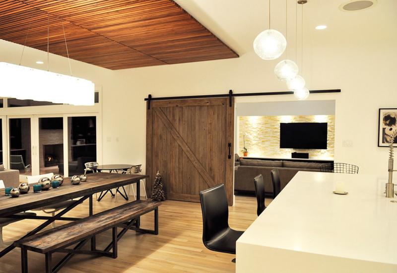 20 Splendid Dining Rooms With Wooden Sliding Doors