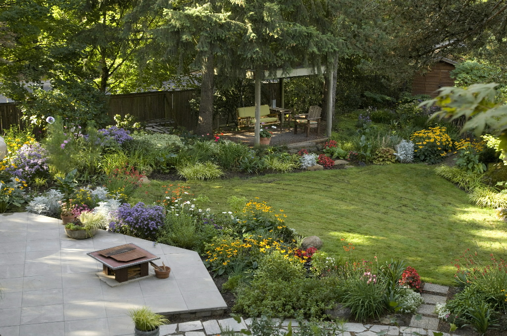 Small backyard makeover on a budget - large and beautiful ... on Backyard Patio Designs On A Budget id=95989