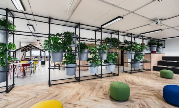 Planter Screens As Decor And Space Dividers0012
