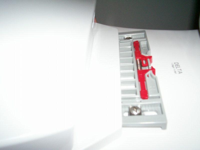 Nifty Delta toilet seat mounting bracket