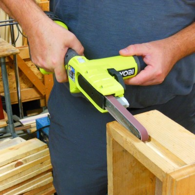Ryobi PSD101 – The Cordless Belt Sander You Didn't Know You Wanted