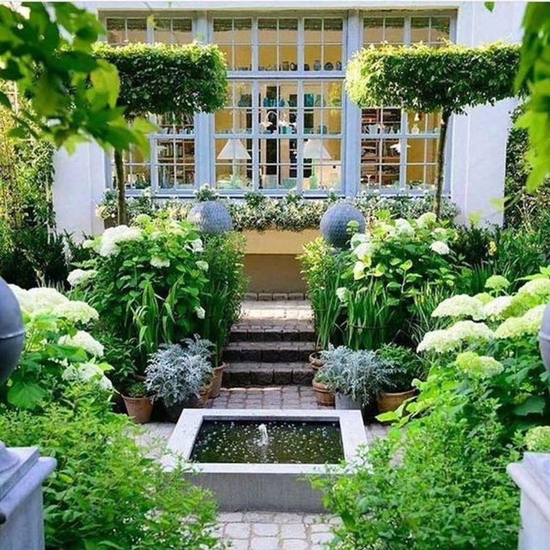 35 Beautiful Modern Small Backyard Design Ideas - Homeflish