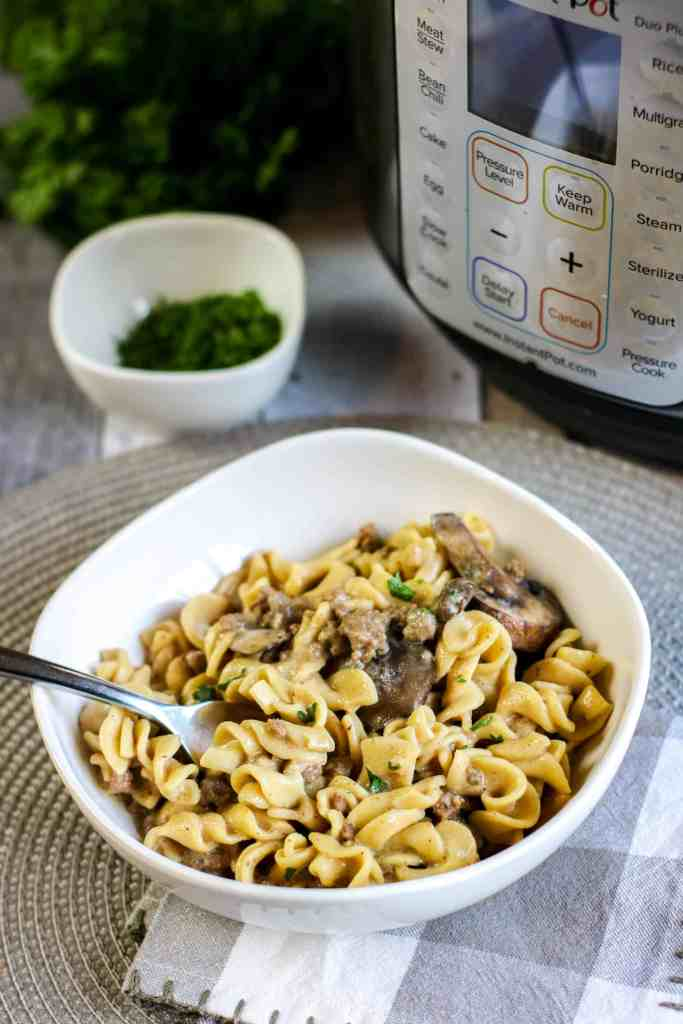 Easy Instant Pot Beef Stroganoff Recipe - This Incredible and Easy Instant Pot Stroganoff Recipe is the perfect comfort food. You only need 10 simple ingredients and your Instant Pot! #dinner #stroganoff #easy #instantpot #pressurecooker #homefreshideas