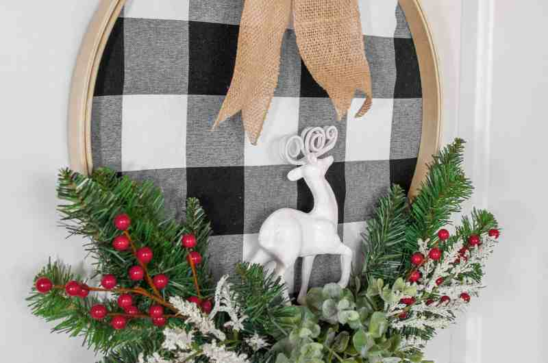 Stylish DIY Christmas Wreath With Buffalo Check - Stylish DIY Christmas Wreath with Buffalo Check is the project you need this holiday season. It's elegant, gorgeous, and welcoming. #wreath #DIY #christmas #holiday #craft #easy #homefreshideas
